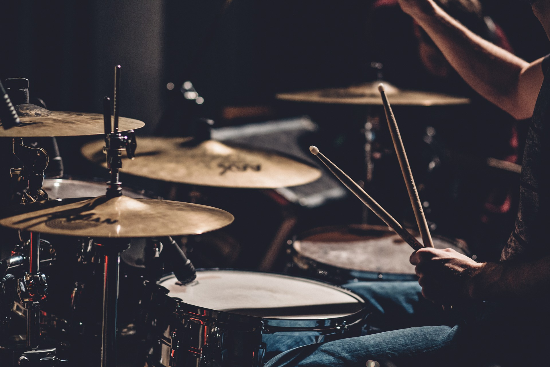 Drum set with drumsticks